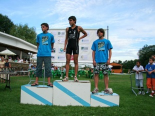 Óscar Vicente, no alto do podio no Triatlón do Miño